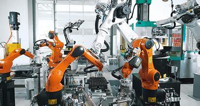 """机器人邂逅火车 """"五大能手""""守护春运安全"""
