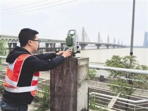 机器人检测朝阳大桥