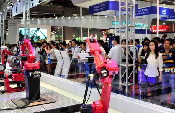 机器人产业崛起 转型发展再添动能