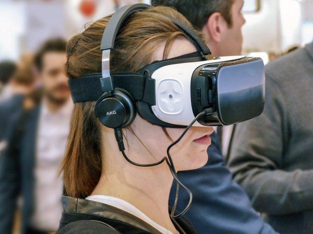 AR / VR 商机起飞,IDC 估 2021 年产值破 2 千亿美元