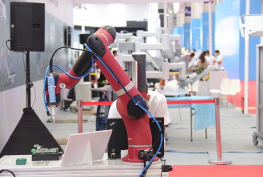 科幻聚焦:机器人会不会抢走我们的饭碗