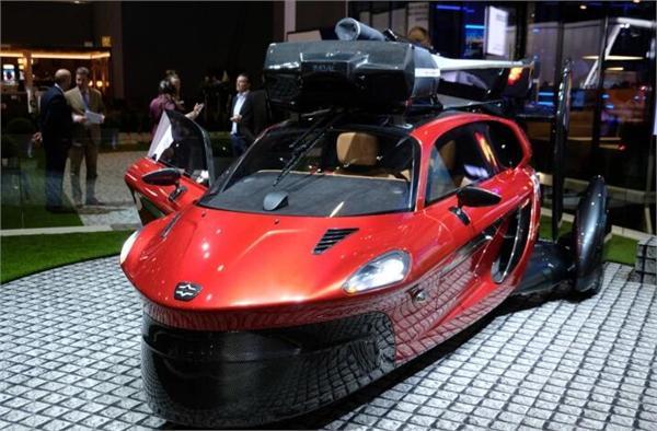首款飞行汽车亮相日内瓦车展 需配有飞行驾照及机场