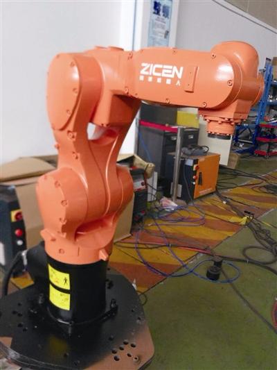 厉害!宁波六轴机器人首次出口美国
