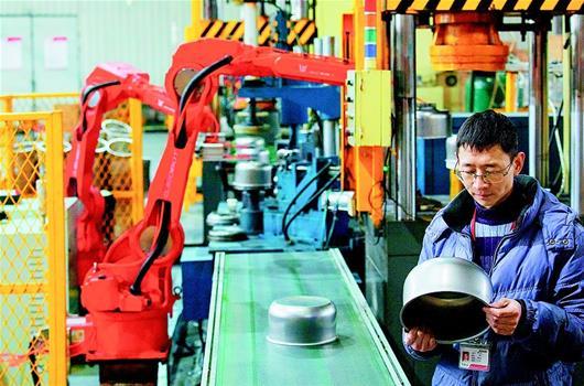 """孝感安陆:400工业机器人""""上岗"""""""
