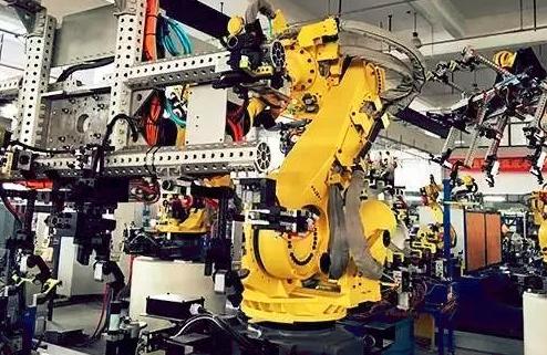 """谭浩俊:跨界造智能机器人 娃哈哈能""""喝""""出新辉煌吗?"""