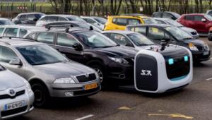 自动泊车不好用?你可以把车交给停车场的机器人