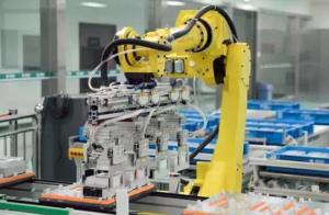 中国工业机器人企业:市场很冷 选择坚守