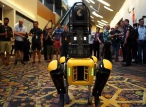 波士顿动力公司准备推出首款商用机器人Spot 或年底前上市