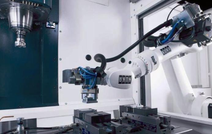 中国机器人使用在崛起?政府补贴、多体力劳动加速机器换人