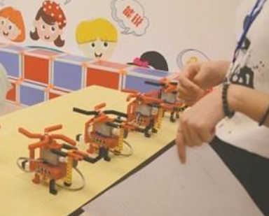 """机器人教育培训成市场""""香饽饽"""",实现全年龄段覆盖"""