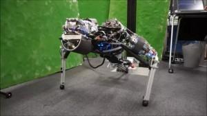 研究者发明会流汗的机器人 可有效散热