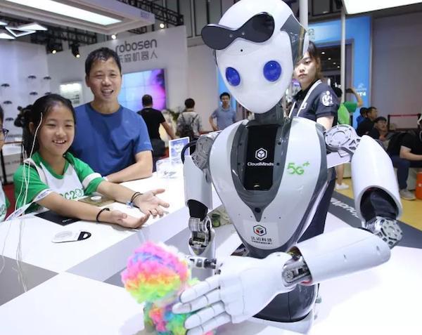 达闼科技黄晓庆:成本因素限制机器人普及