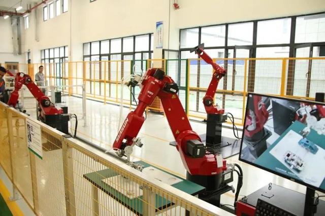 """正式投产!工业机器人有了""""阜阳造"""""""