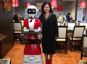 马德里中餐厅引进机器人服务员