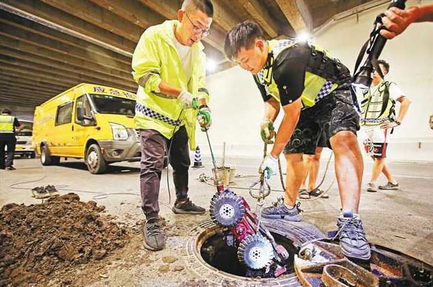 机器人助力排水管道疏通